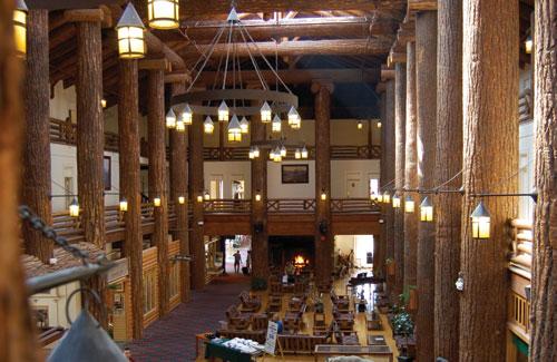 Glacier-Park-Lodge-Lobby